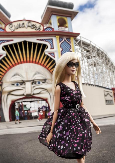 http://arihatzis.com/files/gimgs/th-34_Barbie-LunaPark_5101FLAT.jpg